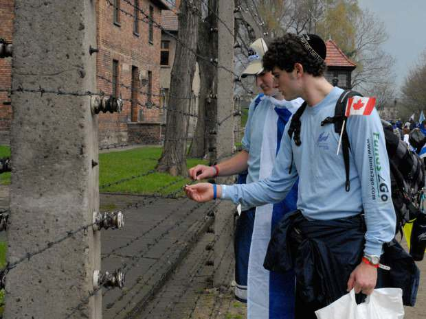 canadian students touring auschwitz